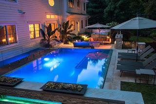 Cara memperpanjang usia kolam renang fiberglass Anda