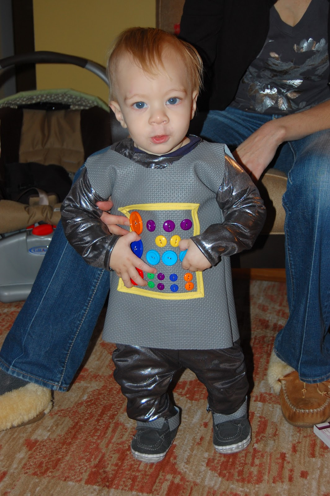 Play DIY Toddler Robot Costume  sc 1 st  Play Eat Grow : boy rockstar costume ideas  - Germanpascual.Com