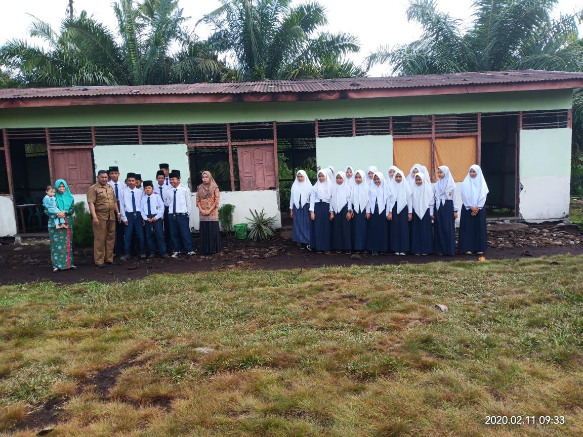 Ancam Keselamatan, Madrasat Tsanawiyah HUBBUDDIN Kecamatan Kempas, Inhil Terancam Ambruk