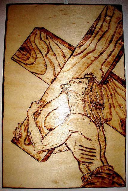 Jesus cristo com cruz ás costas