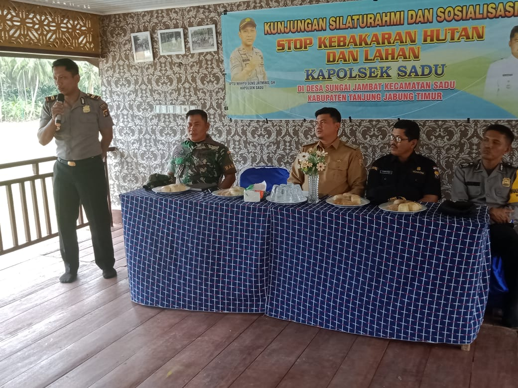 Kapolsek Sadu Sosialisasikan Pencegahan Karhutla di Sungai Jambat