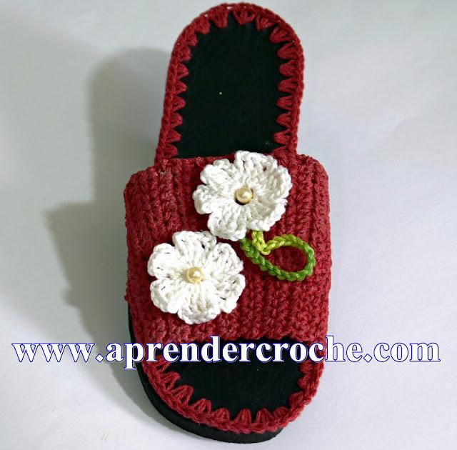 chinelo de croche fechado na frente com flores aprendercroche edinir-croche cursodecroche euroroma