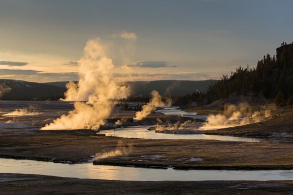 Vista general de la zona de los géiseres (Yellowstone, Estados Unidos)