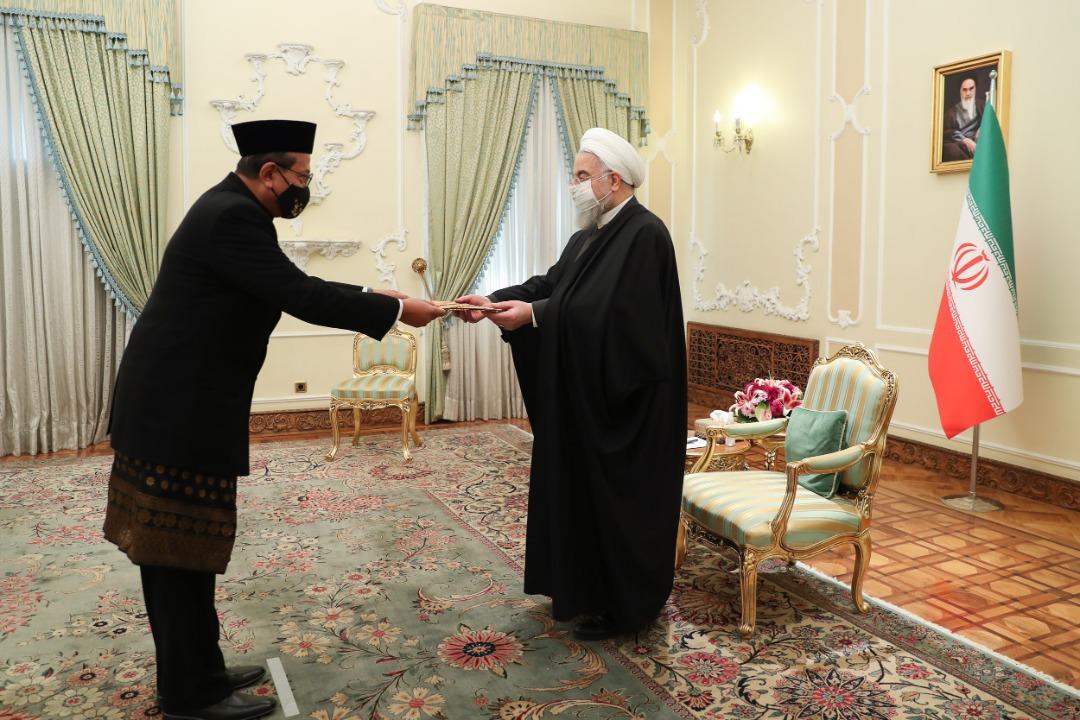 Duta Besar Ronny Prasetyo Yuliantoro Serahkan Surat Kepercayaan kepada Presiden Hassan Rouhani