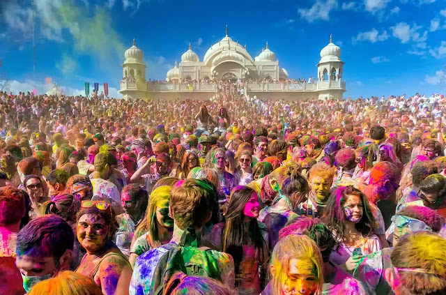 Holi Festival Essay | Festival of Colors | In English and Urdu