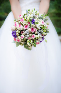 Defeating temptation - respecting my bride - image of a bride's dress and flowers