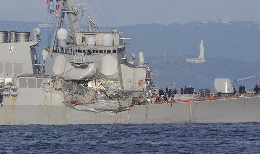 7 marinheiros são achados mortos em destróier dos EUA que colidiu em cargueiro