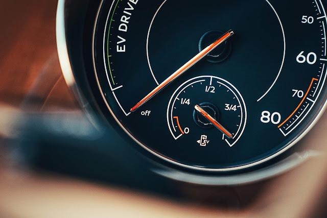 Bentayga Hybrid começa a ser vendido na Europa e EUA