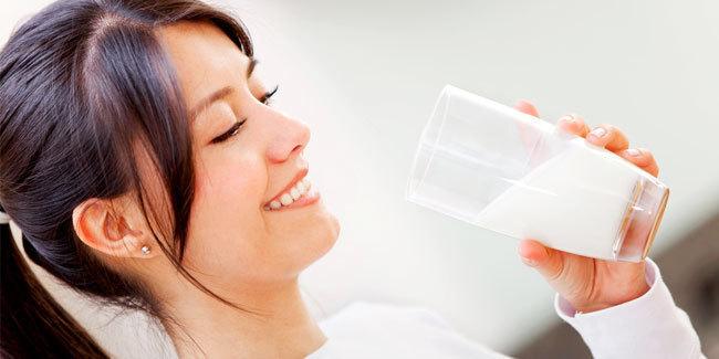 Beda Susu Penambah Berat Badan dan Biasa, Apakah Efektif?