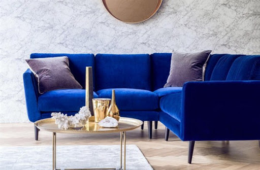 Find the Best Sofas and Sectionals for Small Spaces