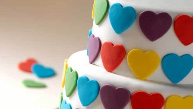 Dicas de como fazer mini bolos decorados passo a passo em vídeo