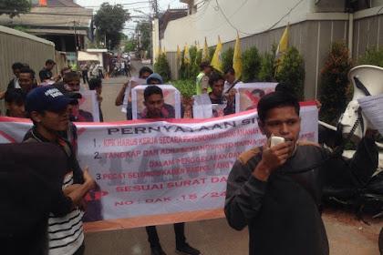 Terlibat Korupsi e-KTP, Didemo Massa di Kantor Golkar Tuntut Setya Novanto Mundur