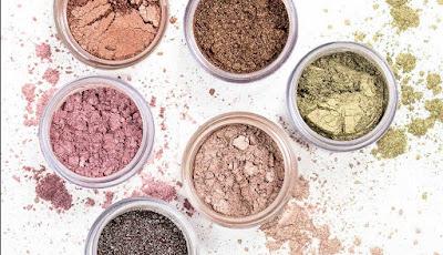Menjual Make Up Secara Online