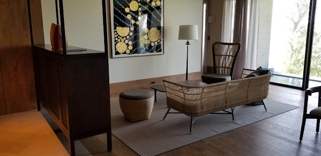 ホテルの床に使用したオークフロア材施工写真