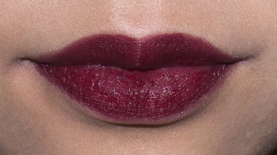 mac fixed on drama lipstick - photo #10