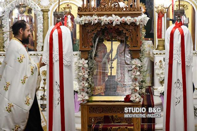 Γιόρτασαν τους Αγίους Κωνσταντίνο και Ελένη στο Μάνεσι