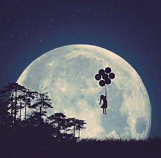 صور الصعود الى القمر ، بلالين مع بنت جميلة .