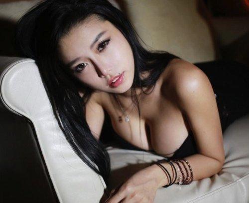 Cerita Dewasa - Aku Memperkosa Mila Sales Manager Hotel