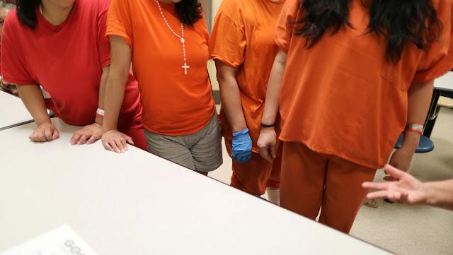 México pide información a EE.UU. sobre la denuncia de esterilización masiva a mujeres en los centros de detención de migrantes