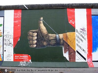 east side gallery in berlin berlin du bist wunderbar unbekannte orte street art urbex. Black Bedroom Furniture Sets. Home Design Ideas