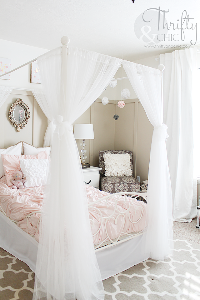 Big girls bedroom decor and decorating ideas. Princess bedroom decor. Little girls bedroom decor