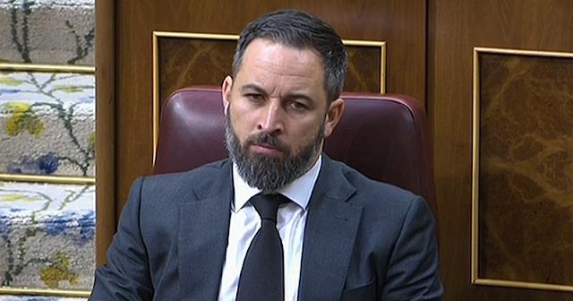 Abascal justifica la simbología franquista en los cuarteles y carga contra la Ley de Memoria Histórica