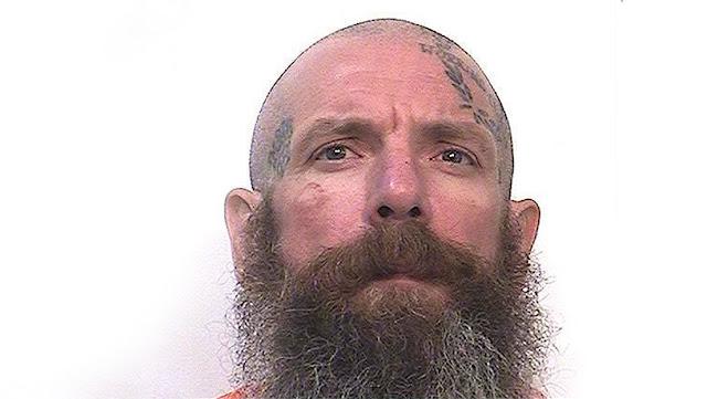 """""""Me lo pedían los instintos"""": Un convicto confiesa que mató a bastonazos a dos abusadores de menores dentro de una prisión de EE.UU."""