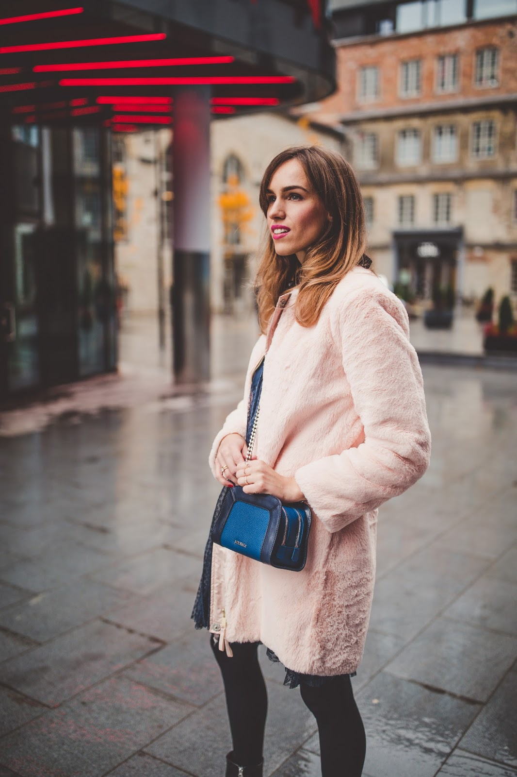 baby pink faux fur coat outfit fall