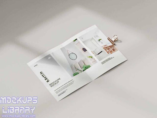 folded brochure mockup 2