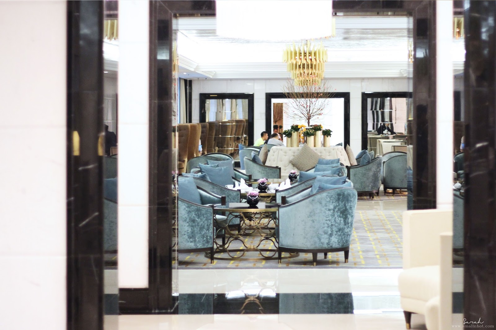 Afternoon Tea Lobby Lounge The Ritz Carlton Kl Small