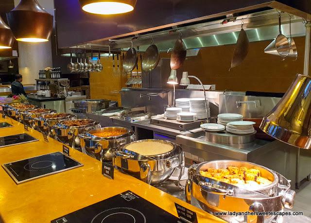 weekend buffet in Swissotel Al Ghurair