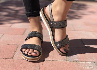 Sandalias negras con brillo