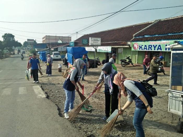 Kel Tjng Harapan turun ke Jalan Bersih-bersih.