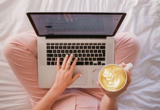 Mau Jadi Freelancer? Ini Pengalaman Seru Dapat Lowongan Kerja Online di Projects.co.id