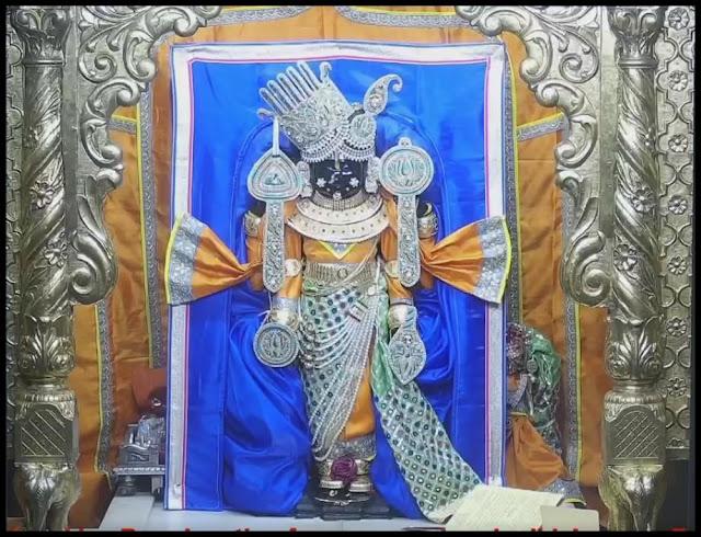 Sri-Dwarkadhish-Temple-in-Hindi