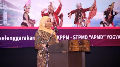 Gubernur Khofifah Ajak Semua Komponen Bangkitkan  UMKM Untuk  Percepat  Pemulihan Ekonomi di Jatim