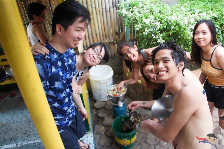 Family bonding while cooking the crab in Dream Wave Resort