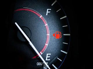 مجموعة من الاعطال تؤدي إلى زيادة في استهلاك البنزين في السيارات