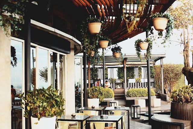 SKYE - Restoran Romantis di Jakarta