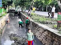 Koramil Kapas Bersama Masyarakat Gotong Royong Bersihkan Kali Pirang Dan Avoor