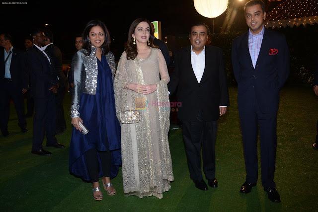 Images for mukesh ambani daughter wedding