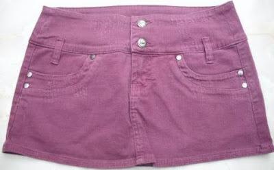 Foto de minifalda jean con dos botones delateros