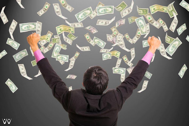 Strategi Sukses Menjadi Miliarder dari Bisnis Online