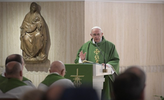 Pope urges Christians to watch out against worldliness