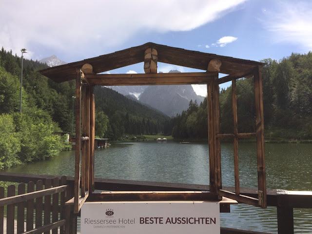 Hochzeitswochenende im Riessersee Hotel Garmisch - Abend am See - #Hochzeit #Garmisch #Bayern #See #Berge #Natur #wedding location #wedding venue #abroad #Bavaria #Riessersee