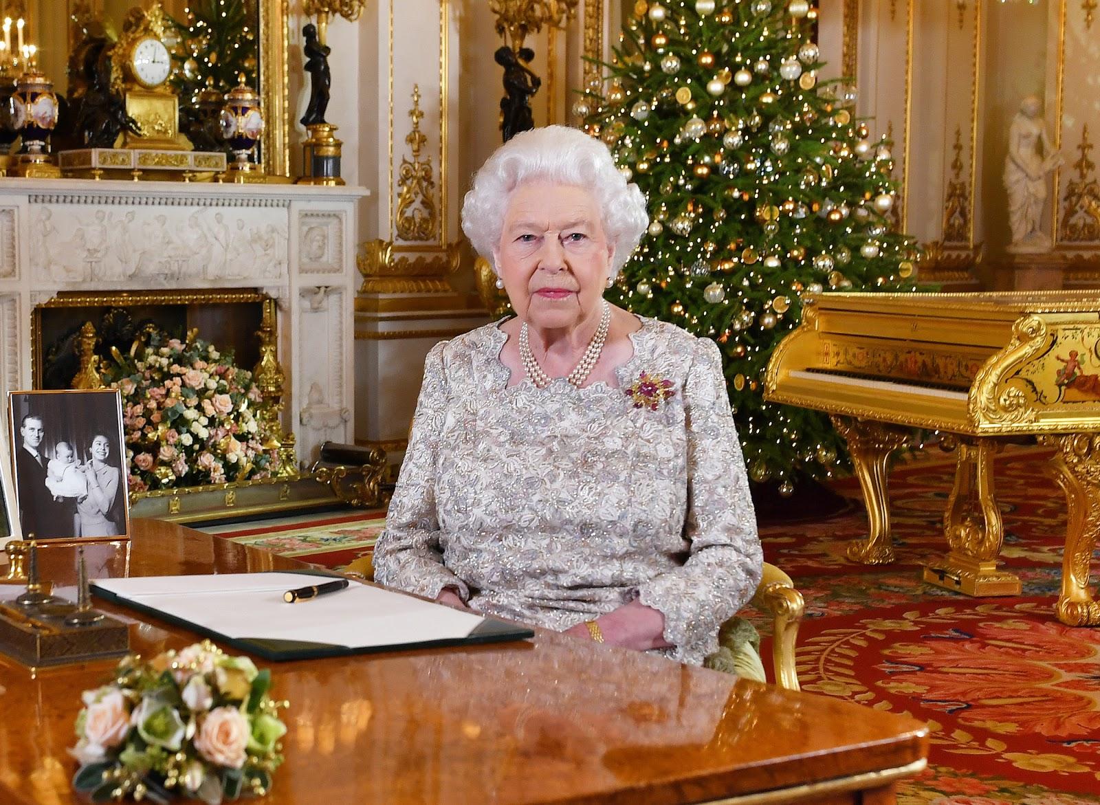 Queen Elizabeth II Welcomes Prince Harry and Meghan Markle's Baby