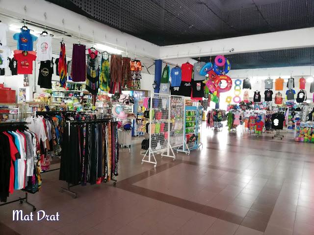 Kedai di terminal Jeti Tanjung Gemok