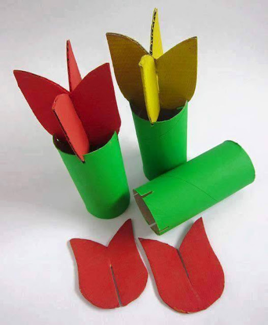 Idea to make something from paper for kids : tulips flower