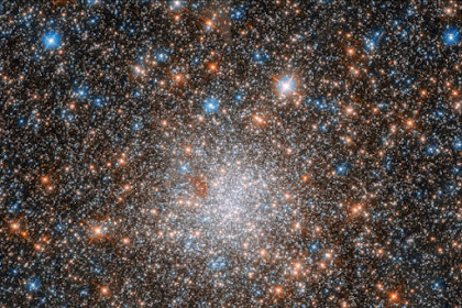 NASA TELAH MENGIRIMKAN SNAPSHOT TAK TERTANDINGI DARI NGC 1898