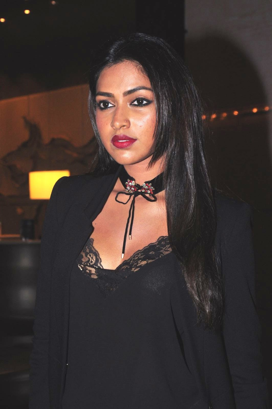 AAmala Paul in Black Top and Spicy Red Lipstic at South Scope Lifestyle Awards 2016 event Red Carpet